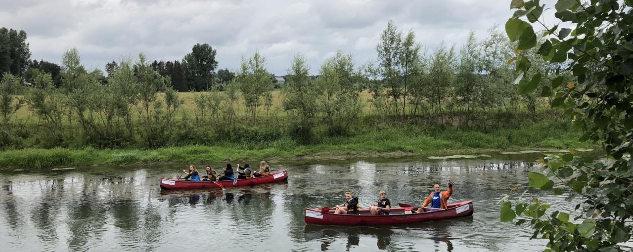 Mit dem Kanu durch die Natur