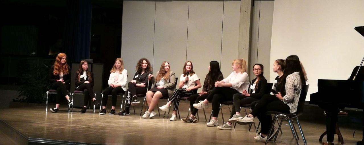 Podiumsdiskussion an der Gesamtschule Verl: Gewinnerprojekt der Europawoche 2019